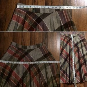 Vintage Skirts - 🦋 2/$10 or 5/$20 Vintage 70s Wool Plaid Skirt